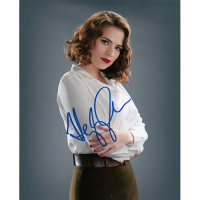 """Haley Atwell Autographed 8""""x10"""" (Agent Carter)"""