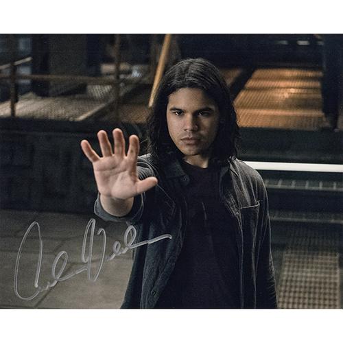 "Carlos Valdes Autographed 8""x10"" (Flash)"