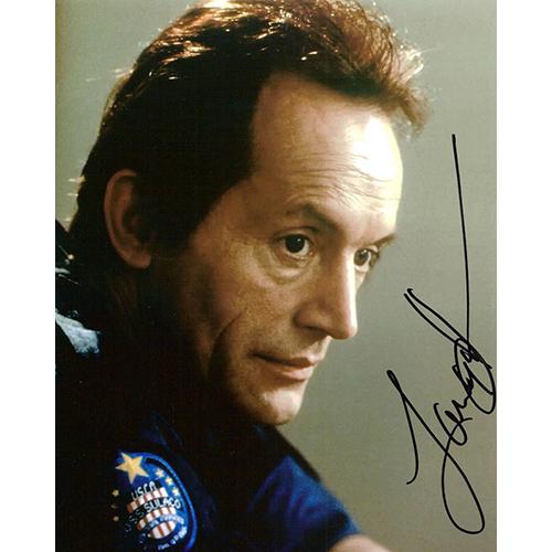 """Lance Henriksen Autographed 8""""x10"""" (Aliens 2)"""