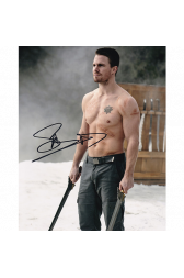 "Stephen Amell Autographed 8""x10"" (Arrow)"